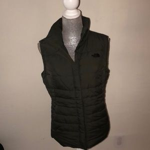 New With out Tags north face vest